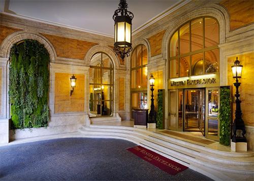 L'ingresso del Westin Excelsior di Roma